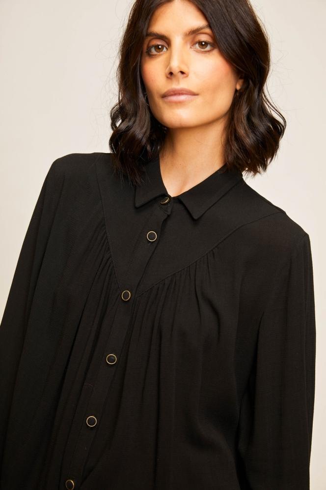 Emira Noir